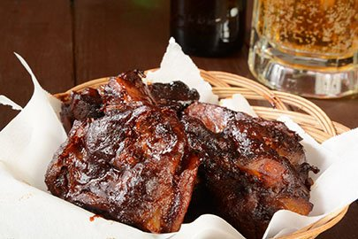 Tailgating Recipe: Finger-Lickin Barbequed Ribs