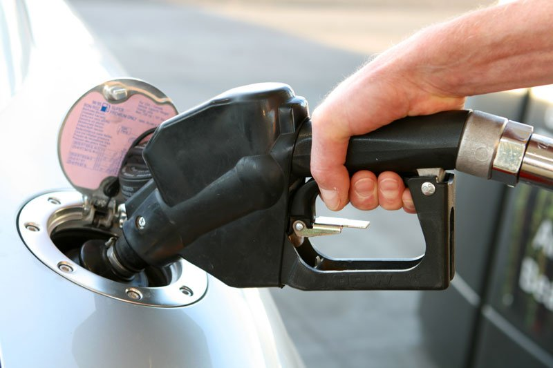 Driving Tips to Help Save Money on Fuel at the Pump