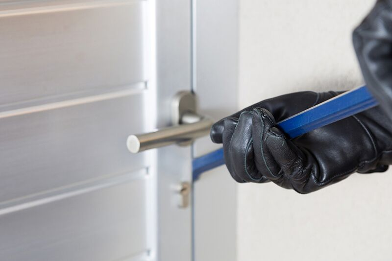 Protect Against Home Burglary this Summer, prevent a home break-in this summer