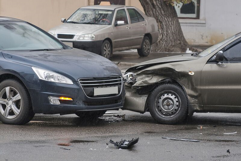 Avoid Doing These 3 Things After a Car Accident, things that you should never do after being involved in an auto accident